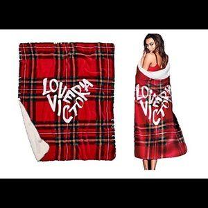 Victoria's Secret VS Plaid Sherpa Blanket